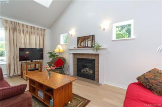 Photo 4: 2454 Lund Road in VICTORIA: VR Six Mile Single Family Detached for sale (View Royal)  : MLS®# 414198