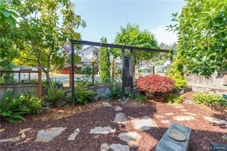 Photo 18: 2454 Lund Road in VICTORIA: VR Six Mile Single Family Detached for sale (View Royal)  : MLS®# 414198