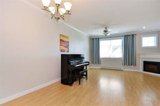 Photo 3: 7 8633 159 Street in Surrey: Fleetwood Tynehead Townhouse for sale : MLS®# R2402931