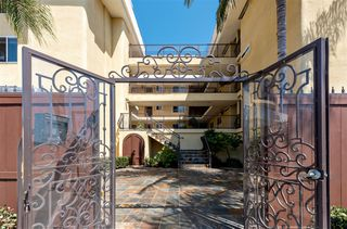 Photo 2: PACIFIC BEACH Condo for sale : 1 bedrooms : 4205 Lamont St #8 in SanDiego