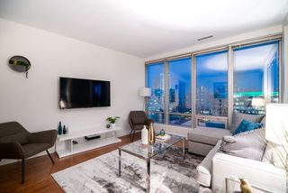 "Photo 17: 1301 989 NELSON Street in Vancouver: Downtown VW Condo for sale in ""THE ELECTRA"" (Vancouver West)  : MLS®# R2460335"