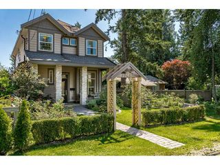 "Photo 1: 1748 140 Street in Surrey: Sunnyside Park Surrey House for sale in ""Sunnyside Park"" (South Surrey White Rock)  : MLS®# R2473196"