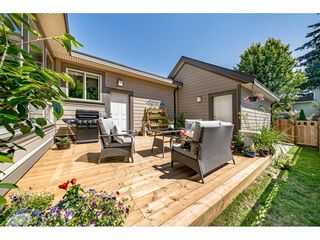 "Photo 3: 1748 140 Street in Surrey: Sunnyside Park Surrey House for sale in ""Sunnyside Park"" (South Surrey White Rock)  : MLS®# R2473196"