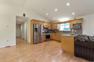 Photo 4: 2146 MARY HILL Road in Port Coquitlam: Central Pt Coquitlam House for sale : MLS®# R2517104