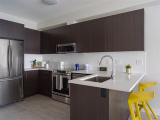 "Photo 8: 205 1633 TATLOW Avenue in North Vancouver: Pemberton NV Condo for sale in ""Tatlow Homes"" : MLS®# R2521204"