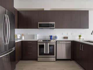 "Photo 7: 205 1633 TATLOW Avenue in North Vancouver: Pemberton NV Condo for sale in ""Tatlow Homes"" : MLS®# R2521204"
