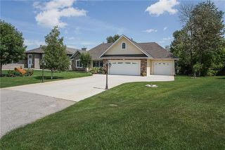 Photo 1: 44 CHANCELLOR Bay in Mitchell: R16 Residential for sale : MLS®# 1919082