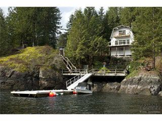 Photo 2: 2937 PANORAMA Drive in North Vancouver: Deep Cove House for sale : MLS®# R2443266