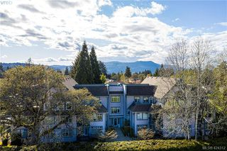 Photo 3: 102 1196 Sluggett Rd in BRENTWOOD BAY: CS Brentwood Bay Condo for sale (Central Saanich)  : MLS®# 838000