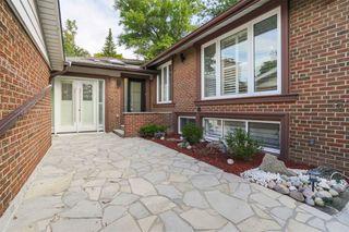 Photo 5: 11 Valentine Drive in Toronto: Parkwoods-Donalda House (Bungalow) for lease (Toronto C13)  : MLS®# C4906967