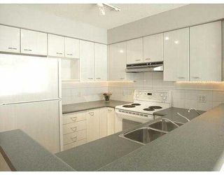 "Photo 4: 709 6088 WILLINGDON AV in Burnaby: Metrotown Condo for sale in ""The Crystal"" (Burnaby South)  : MLS®# V575324"