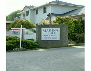 """Photo 1: 699 DOUGALL Road in Gibsons: Gibsons & Area Townhouse for sale in """"MARINA PLACE"""" (Sunshine Coast)  : MLS®# V619580"""