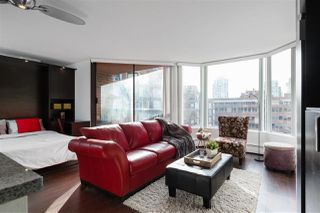 """Photo 1: 613 950 DRAKE Street in Vancouver: Downtown VW Condo for sale in """"ANCHOR POINT II"""" (Vancouver West)  : MLS®# R2427923"""