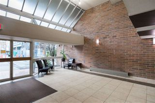 """Photo 4: 613 950 DRAKE Street in Vancouver: Downtown VW Condo for sale in """"ANCHOR POINT II"""" (Vancouver West)  : MLS®# R2427923"""