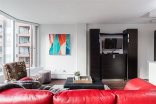 """Photo 6: 613 950 DRAKE Street in Vancouver: Downtown VW Condo for sale in """"ANCHOR POINT II"""" (Vancouver West)  : MLS®# R2427923"""