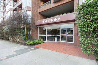 """Photo 3: 613 950 DRAKE Street in Vancouver: Downtown VW Condo for sale in """"ANCHOR POINT II"""" (Vancouver West)  : MLS®# R2427923"""