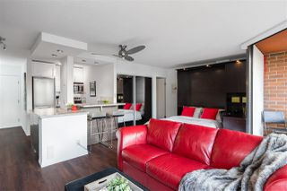 """Photo 8: 613 950 DRAKE Street in Vancouver: Downtown VW Condo for sale in """"ANCHOR POINT II"""" (Vancouver West)  : MLS®# R2427923"""