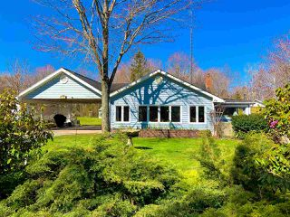 Photo 1: 29 BAYVIEW Drive in North Grand Pre: 404-Kings County Residential for sale (Annapolis Valley)  : MLS®# 202008225