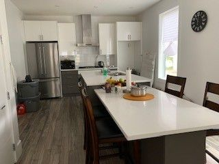 Photo 4: 2 10426 126 Street NW in Edmonton: Zone 07 House Half Duplex for sale : MLS®# E4211708