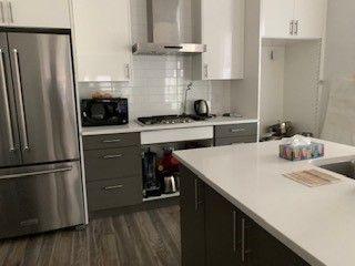 Photo 3: 2 10426 126 Street NW in Edmonton: Zone 07 House Half Duplex for sale : MLS®# E4211708