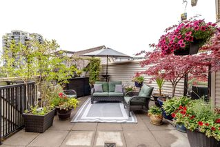 """Photo 10: 47 9339 ALBERTA Road in Richmond: McLennan North Townhouse for sale in """"TRELLAINE"""" : MLS®# R2389239"""