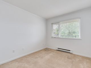 """Photo 13: 203 1535 CHESTERFIELD Avenue in North Vancouver: Central Lonsdale Condo for sale in """"KENSINGTON COURT"""" : MLS®# R2479537"""