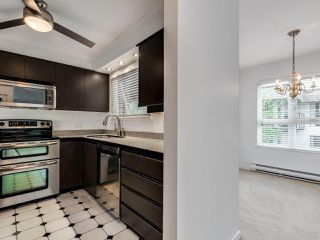 """Photo 8: 203 1535 CHESTERFIELD Avenue in North Vancouver: Central Lonsdale Condo for sale in """"KENSINGTON COURT"""" : MLS®# R2479537"""