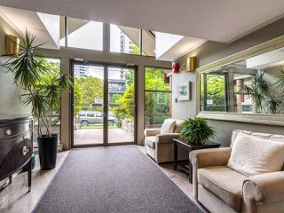 """Photo 22: 203 1535 CHESTERFIELD Avenue in North Vancouver: Central Lonsdale Condo for sale in """"KENSINGTON COURT"""" : MLS®# R2479537"""