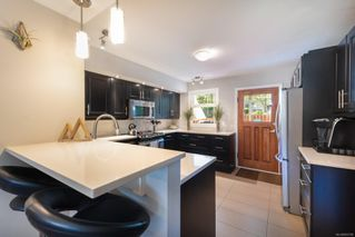 Photo 10: 1335 Balmoral Rd in : Vi Fernwood Half Duplex for sale (Victoria)  : MLS®# 855780