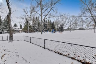 Photo 23: 120 Oakdale Place SW in Calgary: Oakridge Detached for sale : MLS®# A1043914