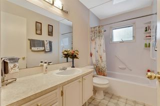 Photo 12: 120 Oakdale Place SW in Calgary: Oakridge Detached for sale : MLS®# A1043914