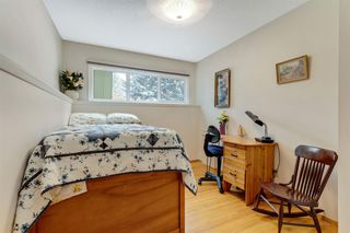 Photo 15: 120 Oakdale Place SW in Calgary: Oakridge Detached for sale : MLS®# A1043914