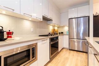 """Photo 8: 707 3488 SAWMILL Crescent in Vancouver: South Marine Condo for sale in """"3 TOWN CENTER"""" (Vancouver East)  : MLS®# R2527827"""