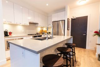 """Photo 7: 707 3488 SAWMILL Crescent in Vancouver: South Marine Condo for sale in """"3 TOWN CENTER"""" (Vancouver East)  : MLS®# R2527827"""
