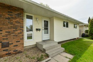 Photo 2: 77 Springfield Crescent: St. Albert House for sale : MLS®# E4180883