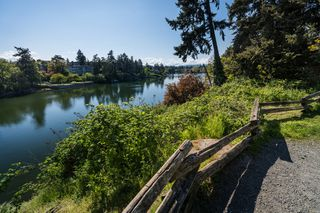 Photo 3: 206 7 W Gorge Rd in VICTORIA: SW Gorge Condo for sale (Saanich West)  : MLS®# 838805