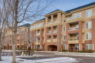 Photo 1: 401 6 HEMLOCK Crescent SW in Calgary: Spruce Cliff Apartment for sale : MLS®# A1016110
