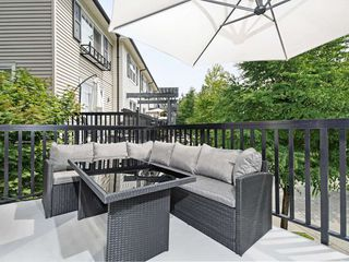 "Photo 19: 65 101 FRASER Street in Port Moody: Port Moody Centre Townhouse for sale in ""CORBEAU"" : MLS®# R2391678"