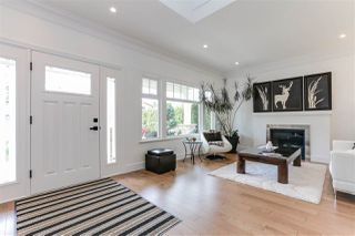 "Photo 2: 182 67 Street in Delta: Boundary Beach House for sale in ""BOUNDARY BAY"" (Tsawwassen)  : MLS®# R2396839"