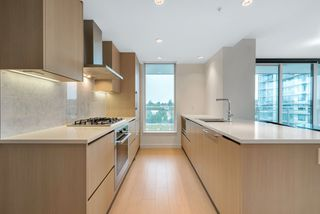 "Photo 4: 1207 455 SW MARINE Drive in Vancouver: Marpole Condo for sale in ""W1"" (Vancouver West)  : MLS®# R2405399"