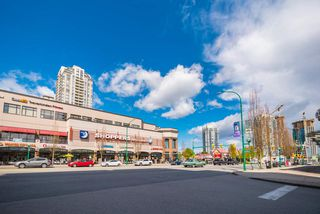 "Photo 12: 405 7225 ACORN Avenue in Burnaby: Highgate Condo for sale in ""AXIS"" (Burnaby South)  : MLS®# R2408019"