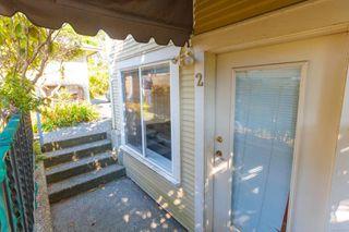 Photo 1: 2 1120 Richardson St in : Vi Fairfield West Condo for sale (Victoria)  : MLS®# 855234