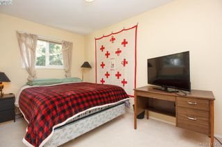 Photo 13: 3 1740 Knight Ave in VICTORIA: SE Mt Tolmie Row/Townhouse for sale (Saanich East)  : MLS®# 828137