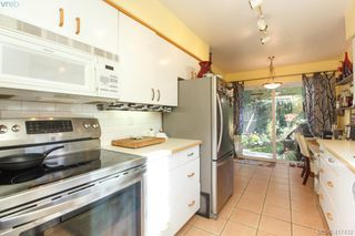 Photo 8: 3 1740 Knight Ave in VICTORIA: SE Mt Tolmie Row/Townhouse for sale (Saanich East)  : MLS®# 828137