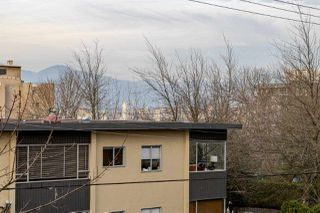 "Photo 11: 303 2445 W 3RD Avenue in Vancouver: Kitsilano Condo for sale in ""CARRIAGE HOUSE"" (Vancouver West)  : MLS®# R2420207"