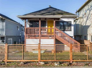 Photo 1: 369 E 34TH Avenue in Vancouver: Main House for sale (Vancouver East)  : MLS®# R2436463