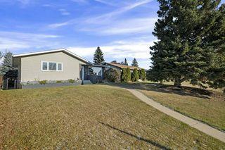 Photo 2: 7004 100 Avenue in Edmonton: Zone 19 House for sale : MLS®# E4187866