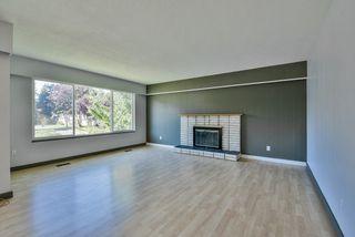 Photo 2: 64 53 Street in Delta: Pebble Hill House for sale (Tsawwassen)  : MLS®# R2462367