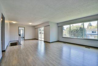 Photo 3: 64 53 Street in Delta: Pebble Hill House for sale (Tsawwassen)  : MLS®# R2462367