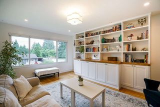 """Photo 5: 928 GLENACRE Court in Port Moody: College Park PM House for sale in """"COLLEGE PARK"""" : MLS®# R2470357"""
